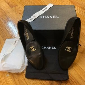 Chanel Leather Loafers w/ Gold CC Emblem sz37